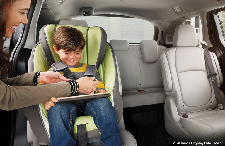 2020 Honda Odyssey Elite seating with child's seat inside