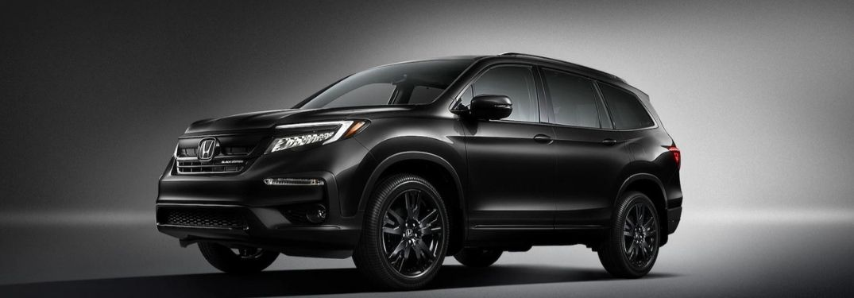 Image of a 2022 Honda Pilot Black Edition in Crystal Black Pearl color option