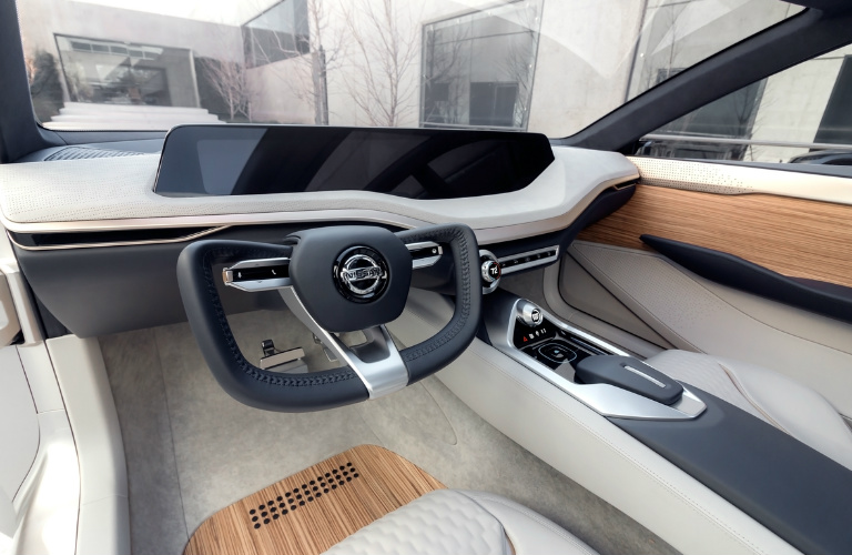Nissan Vmotion 2.0 concept car interior steering wheel and dashboard
