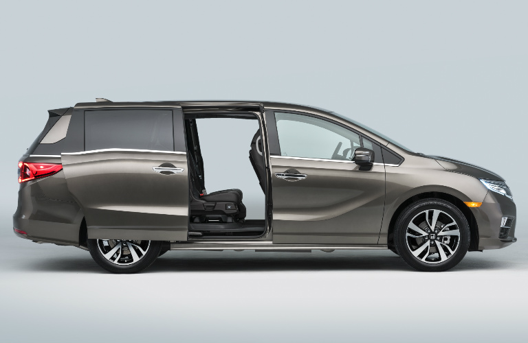 2018 Honda Odyssey exterior with side sliding doors open