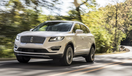 2019 Lincoln MKC white exterior front view