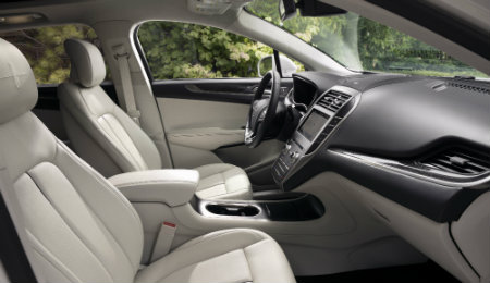 2019 Lincoln MKC interior view front seats