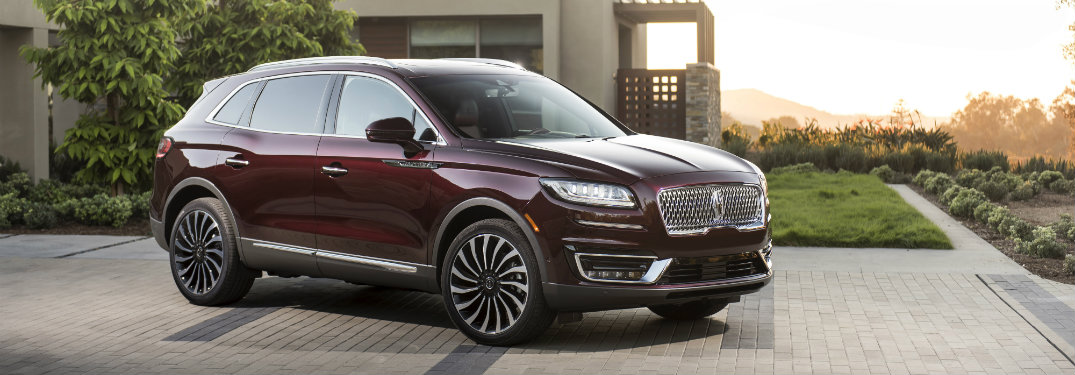 2019 Lincoln Nautilus black exterior front view