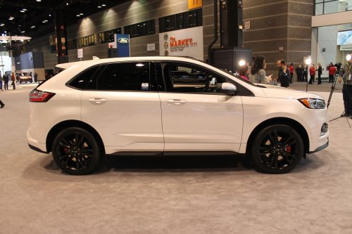 Side profile of the 2019 Ford Edge ST at the Chicago Auto Show