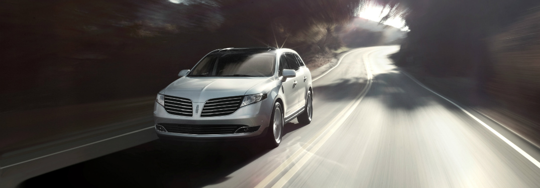 front and side view of silver 2019 lincoln mkt