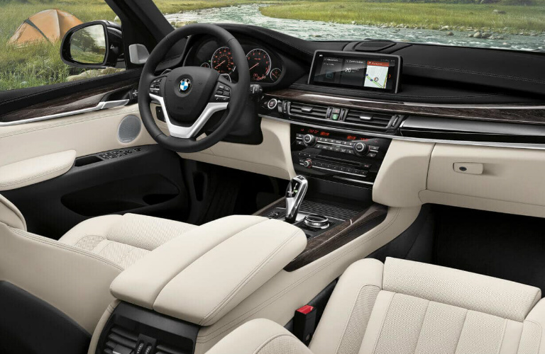 Dashboard And White Front Seats Of 2018 BMW X5