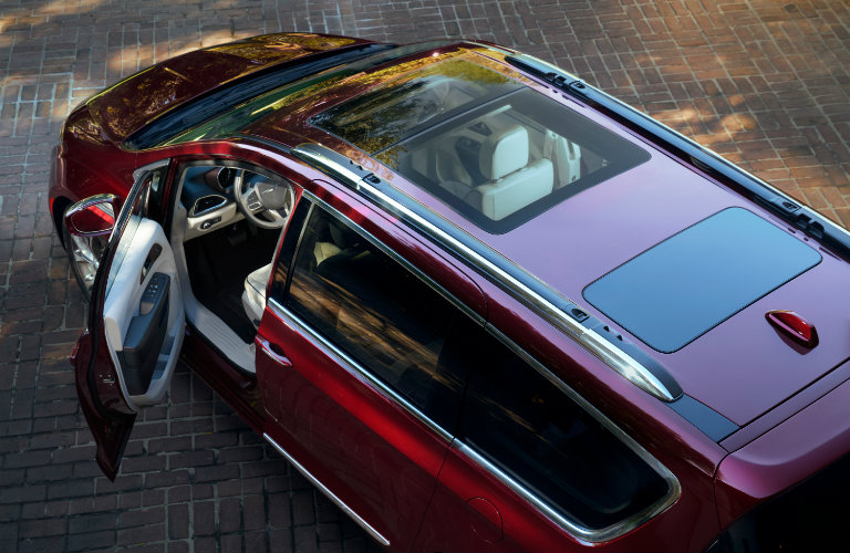 2017 Chrysler Pacifica exterior sunroof view