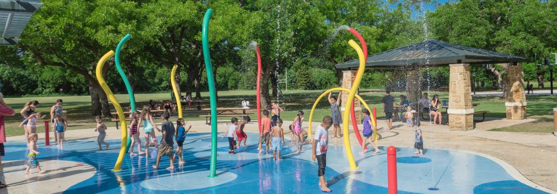 children at a Texas splash pad