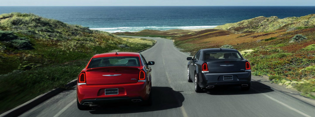 Which 2017 Chrysler come with Apple CarPlay?