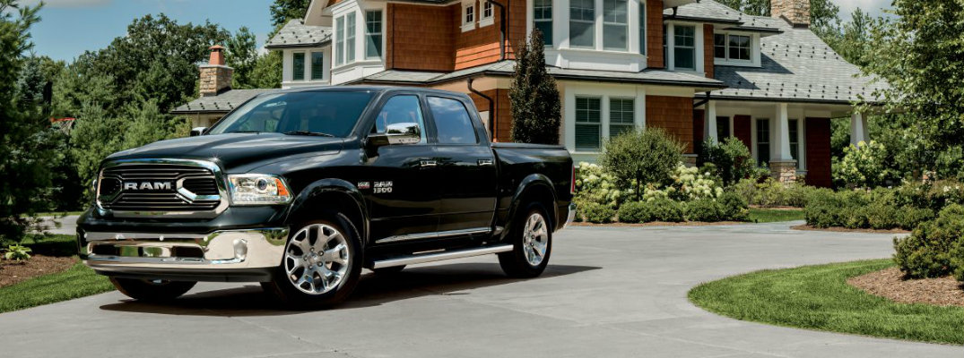 Does the 2017 Ram 1500 come with Siri® Eyes Free?