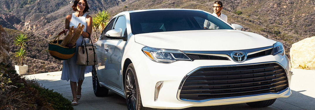 2018 Toyota Avalon in white