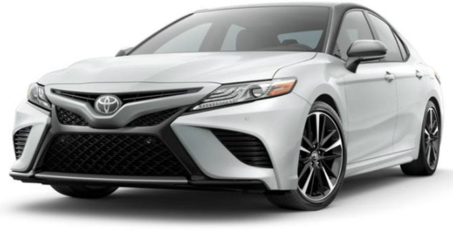 2018 Toyota Camry in Wind Chill Pearl/Midnight Black Metallic Roof and Rear Spoiler