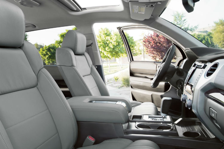 Side view of the 2018 Toyota Tundra's front seats