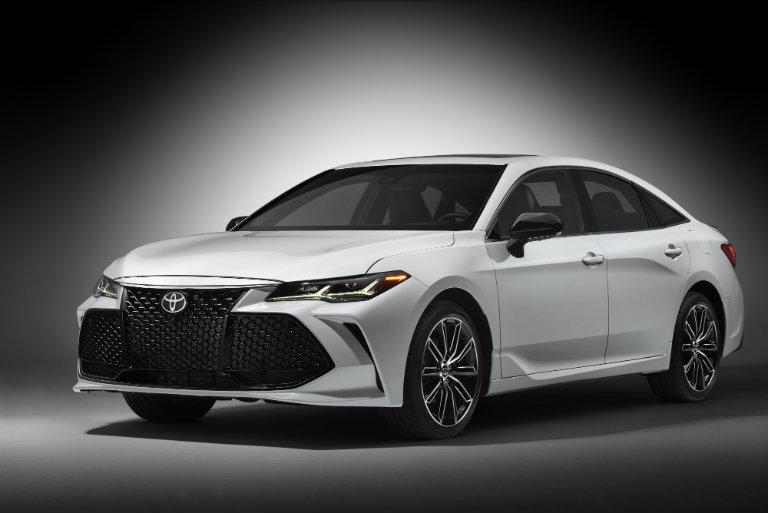 2019 Toyota Avalon in the spotlight