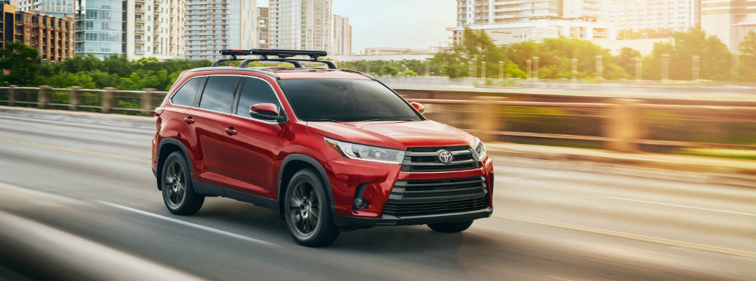 Sleek color options, features for 2019 Toyota Highlander
