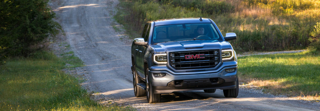 Front exterior view of the 2017 GMC Sierra 1500