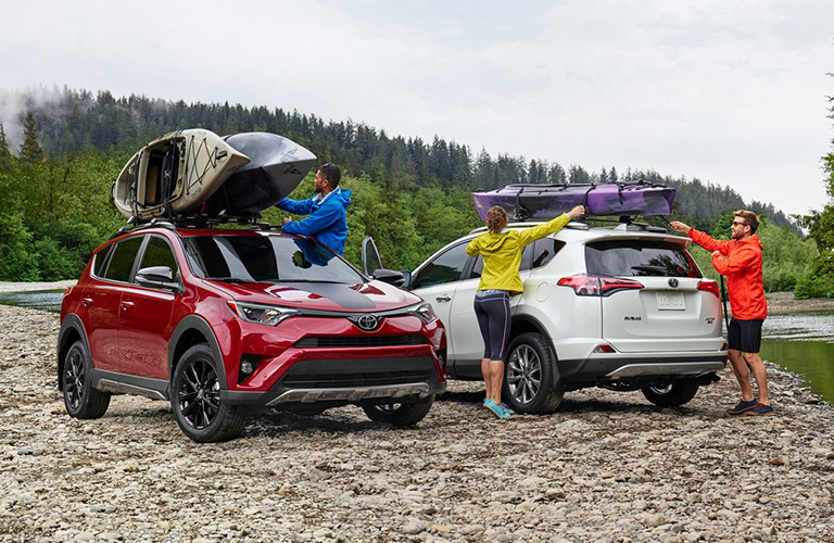 2 2018 Toyota RAV4s parked side by side in opposite directions