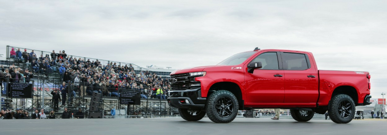 Crowd watches 2019 Chevy Silverado unveiling