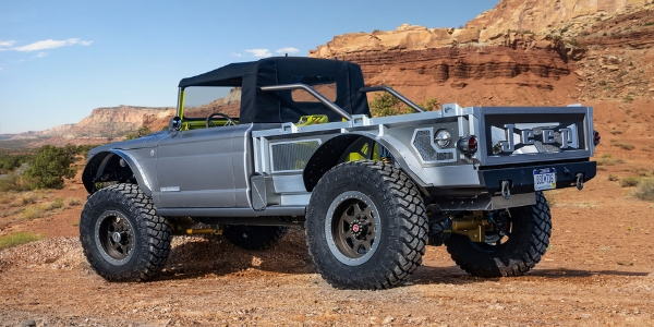 Grey Jeep M-715 Five-Quarter