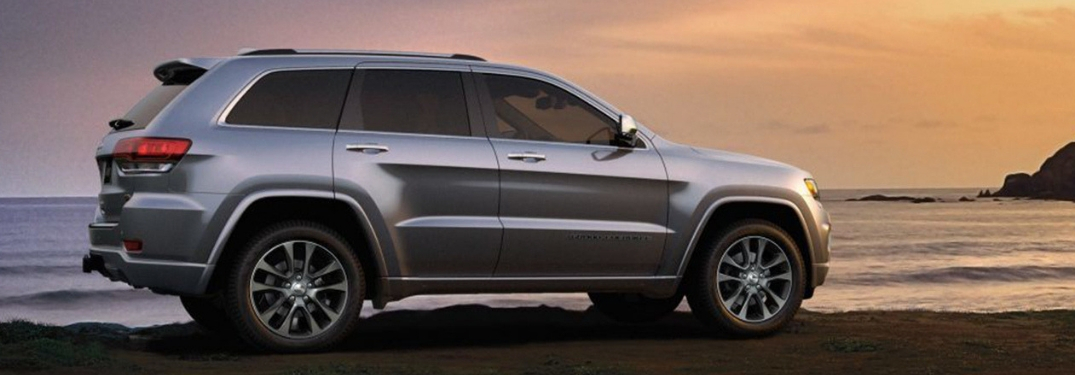2019 grand cherokee parked