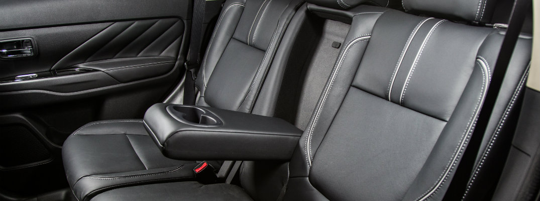 outlander phev 2016 seats