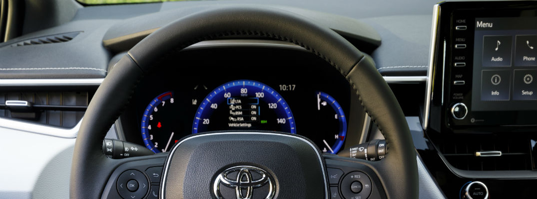 A photo of the new center gauge cluster in the Toyota Corolla Hatchback.