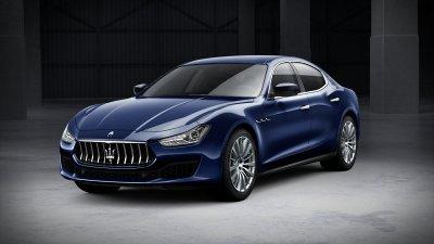 2018 Maserati Ghibli in Blu Passione