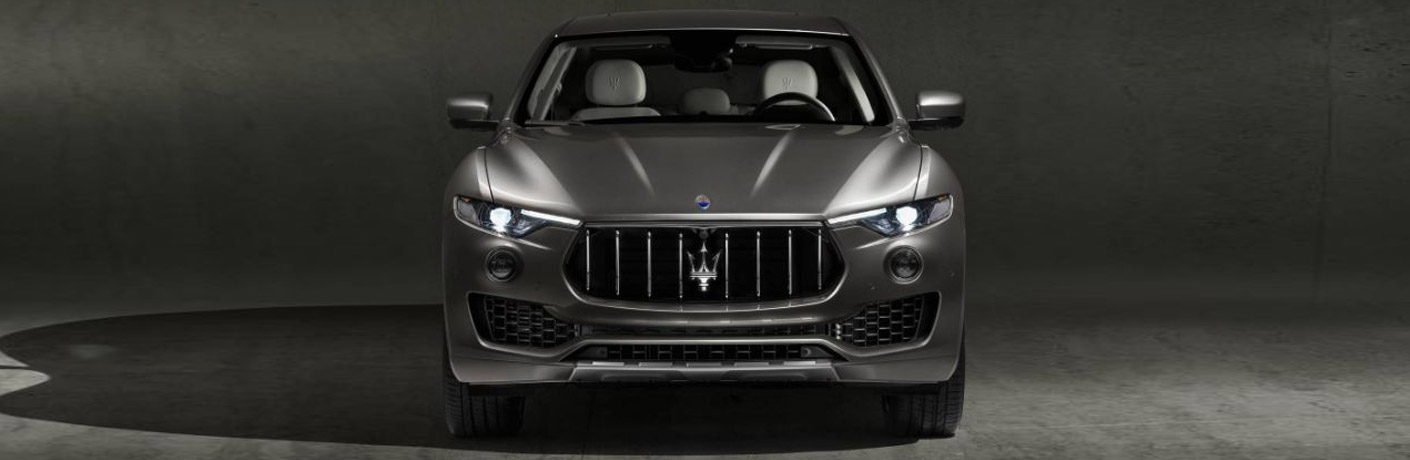 head on view of the front fascia of the 2018 Maserati Levante