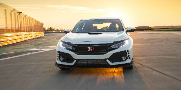 Front View Of 2018 Honda Civic Type R In Championship White Exterior