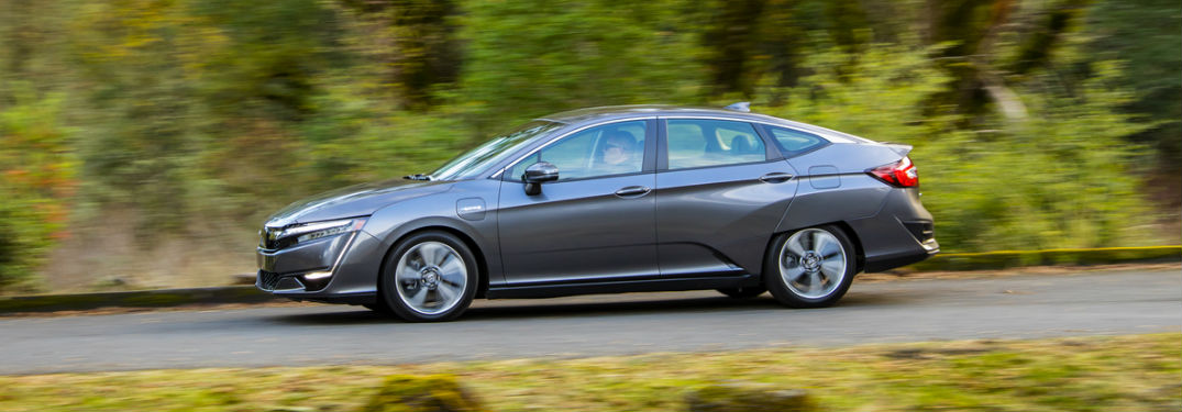 2018 Honda Clarity in Silver Side View