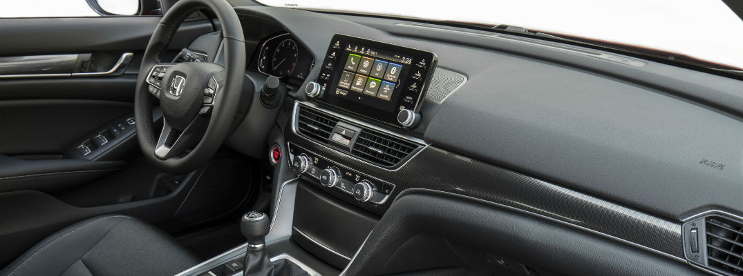 An interior photo of the technology available in the Honda Accord.