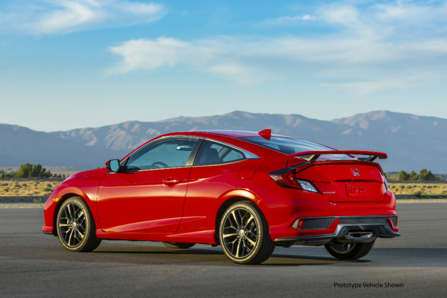 A left profile photo of the 2020 Civic Si Coupe.