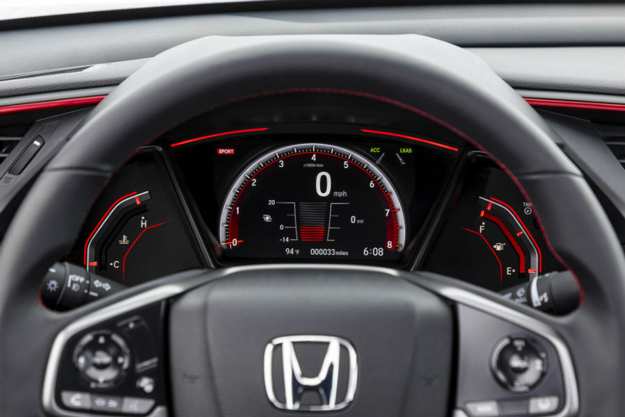 A photo of the center gauge cluster in the 2020 Civic Si Coupe.