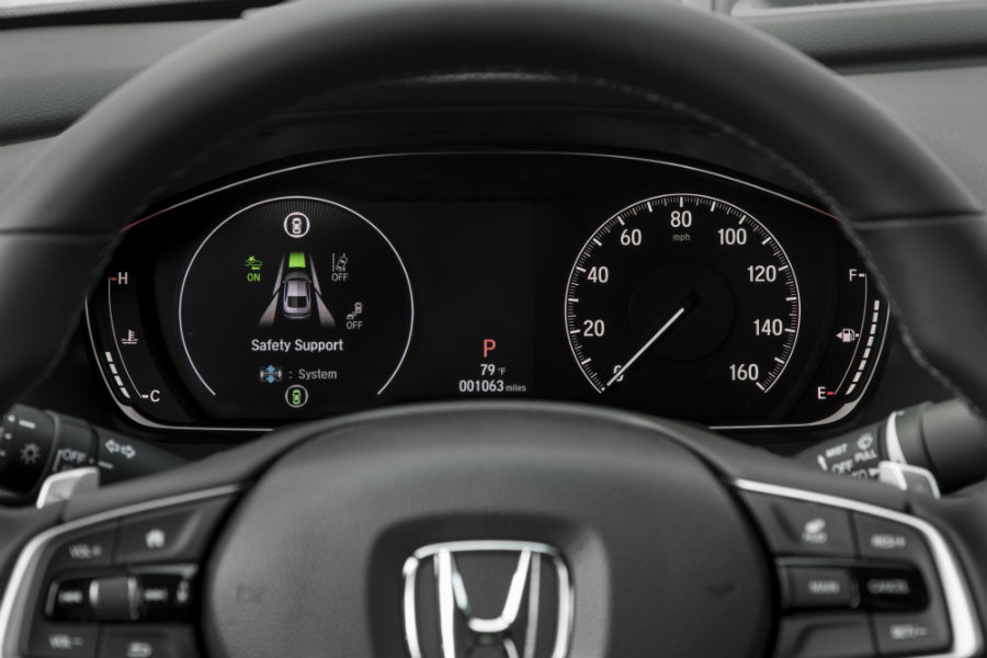 A photo of the center gauge cluster in the Honda Accord.