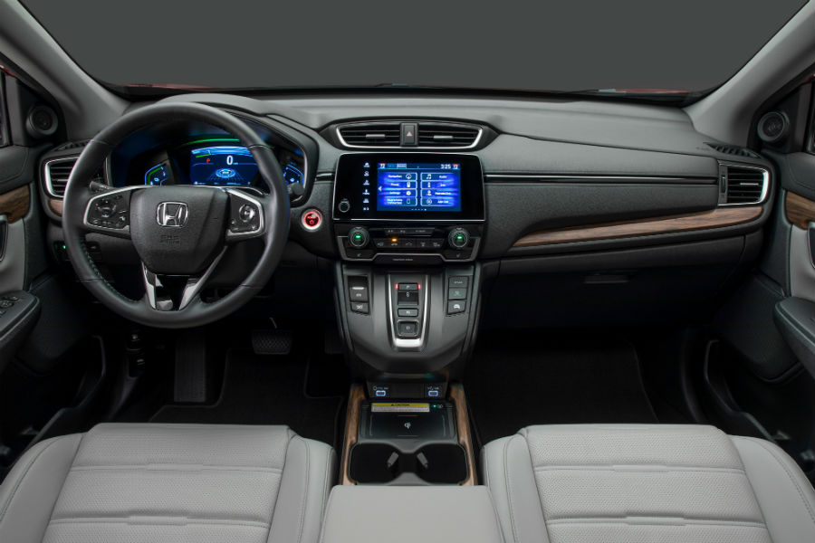 A photo of the dashboard used in the 2020 Honda CR-V Hybrid.