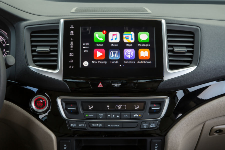 A photo of the touchscreen in the 2020 Ridgeline using smartphone applications.