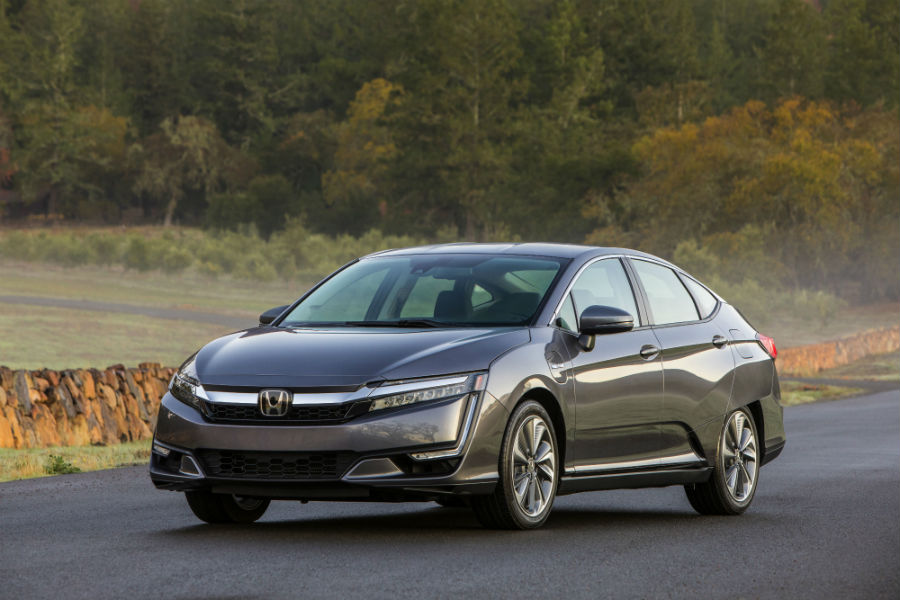 A front left quarter photo of the 2020 Honda Clarity Plug-In Hybrid.