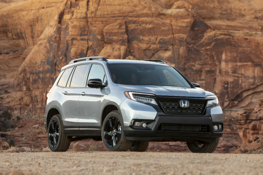 A photo of the front right quarter photo of the 2020 Honda Passport.