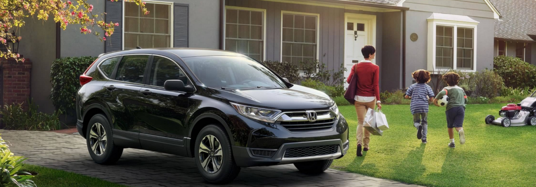 ... Family Walks From 2018 Honda CR V Towards House