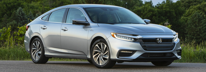 2019 Honda Insight front passenger side view