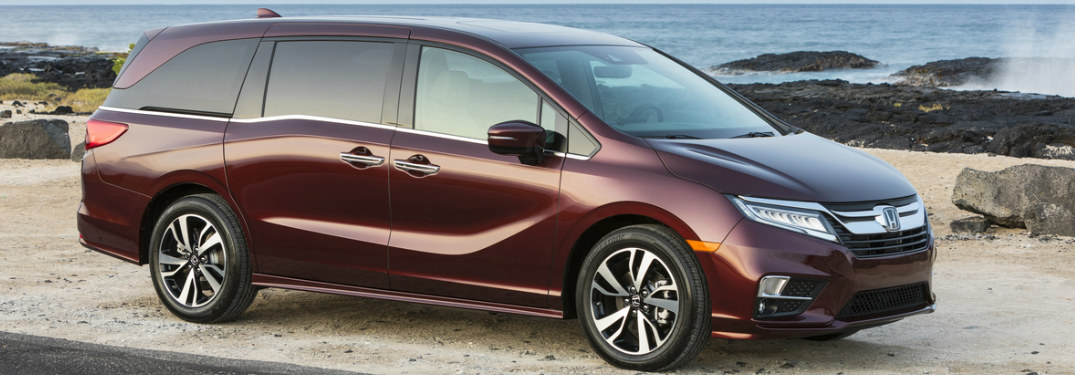 2019 Honda Odyssey exterior front side view