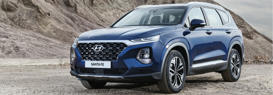 2019 hyundai santa fe full view parked outside mountain