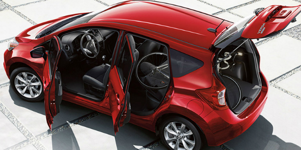 Differences Between a Sedan and a Hatchback Versa Note