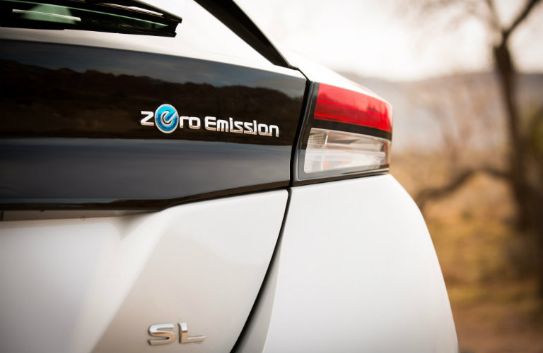nissan leaf right taillight
