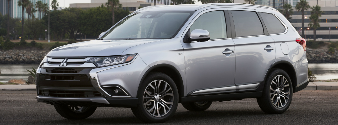 2017 Mitsubishi Outlander GT Features and Specs