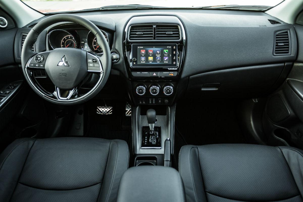 2018 Mitsubishi Outlander Sport's driver's cockpit