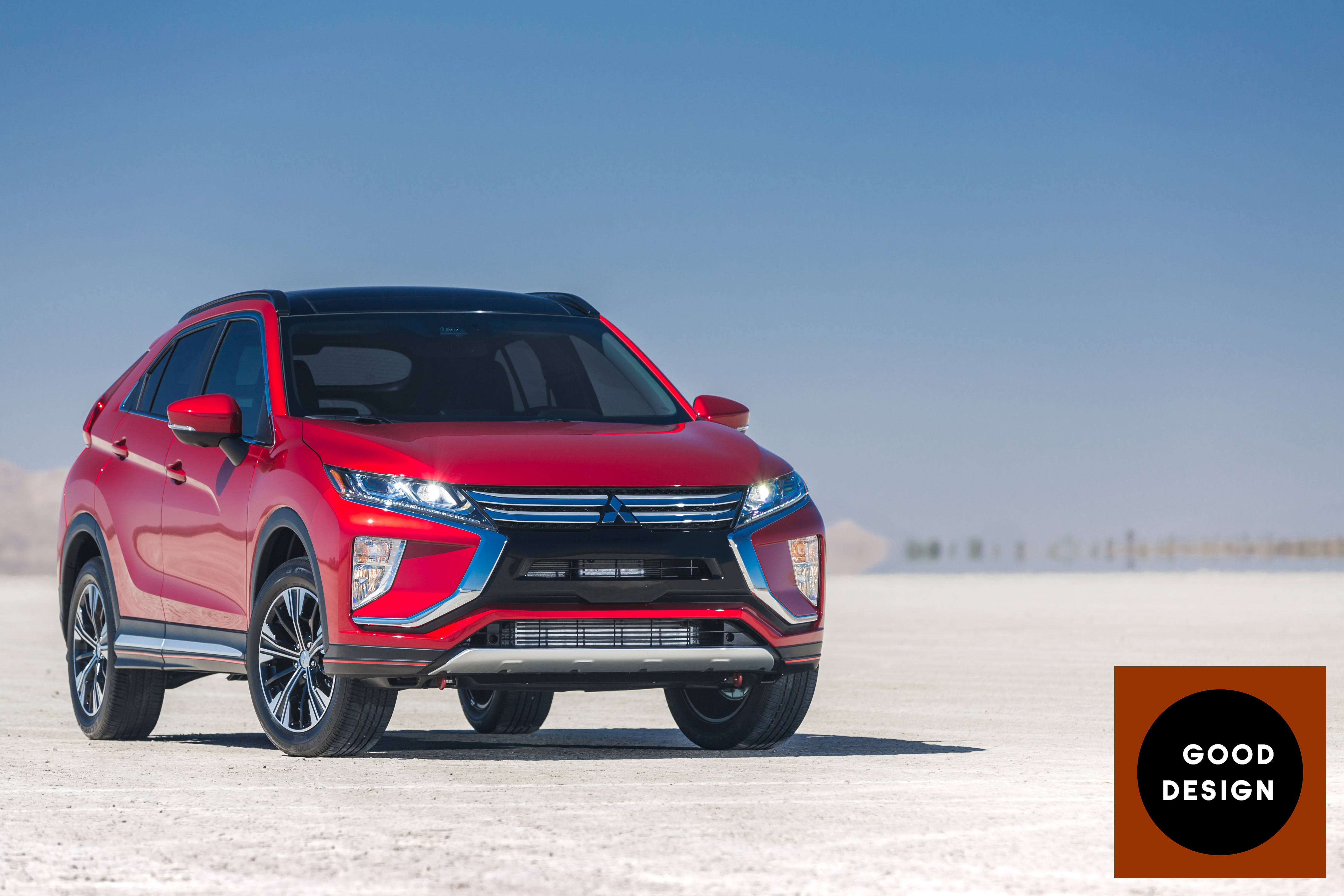 website outlander news mitsubishi nissan be drive official on rogue to phev first based