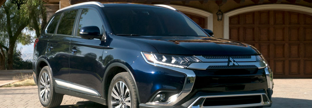 2019 Mitsubishi Outlander parked showing front and side profile
