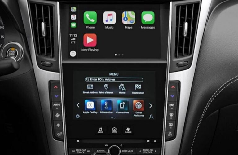 Image of the Dual Touchscreen Displays inside a 2020 INFINITI Q50