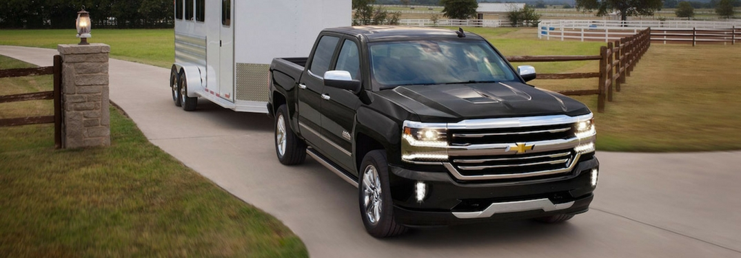 how much weight can the 2018 chevrolet silverado tow. Black Bedroom Furniture Sets. Home Design Ideas